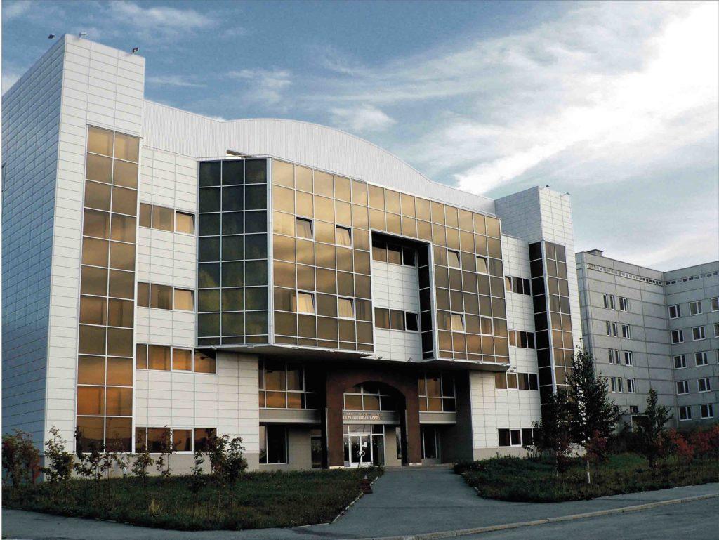 Екатеринбург. Здание онкологического центра. Операционный корпус